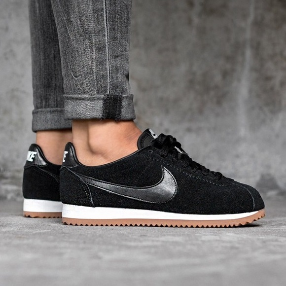 new concept 48b5f 02b82 Nike Classic Cortez Suede Black
